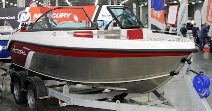Tips and Questions to Ask When Buying a New Boat